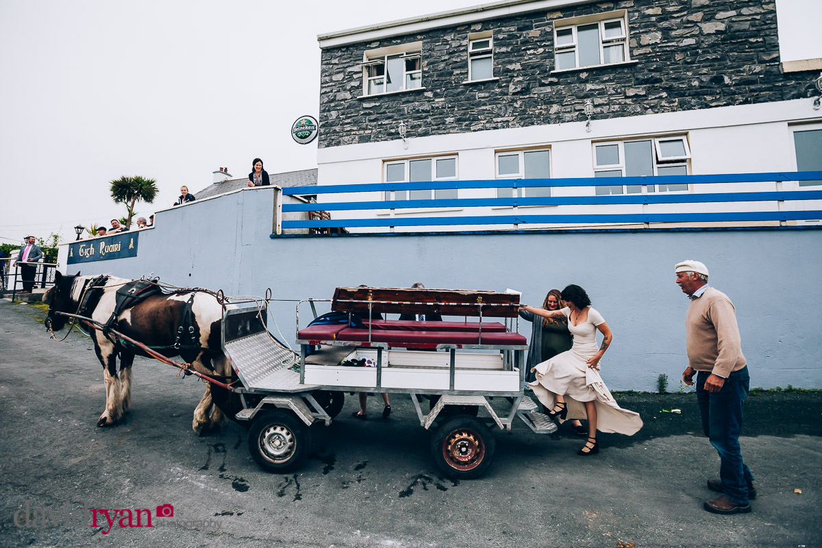 horse and cart in inis oirr