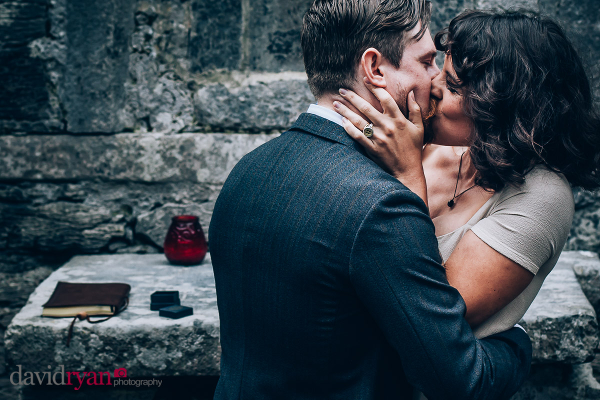 couple kiss on inis oirr wedding