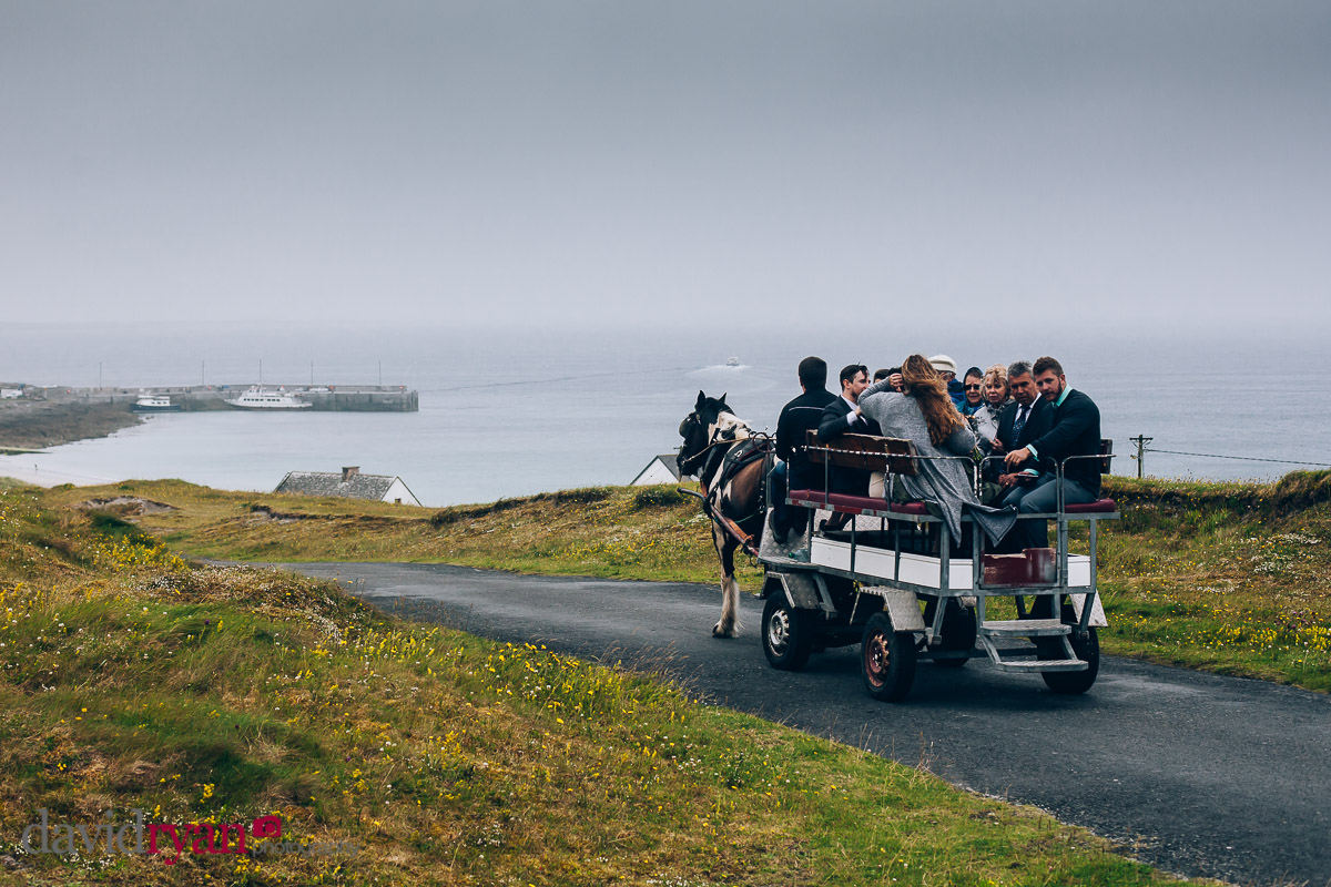 horse and cart on inis oirr