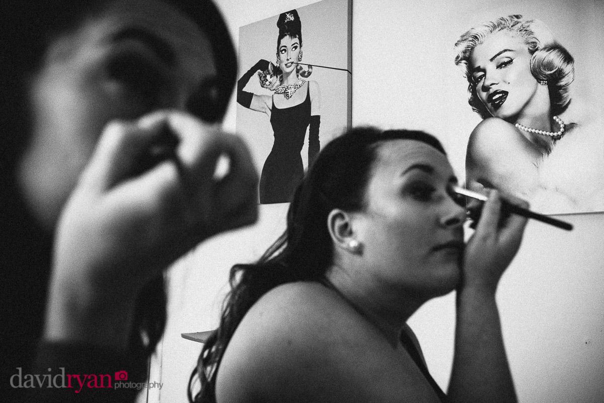 girls putting on make-up