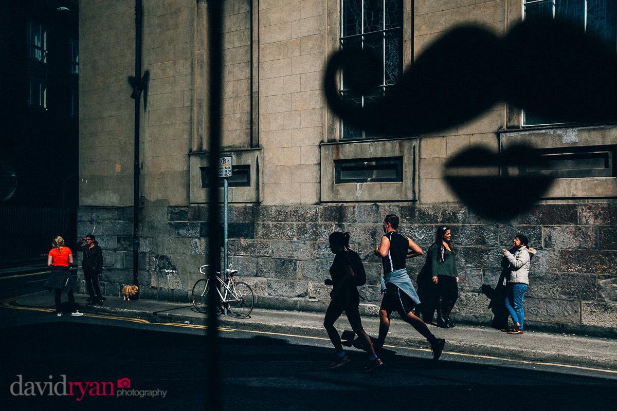 runners on streets of dublin